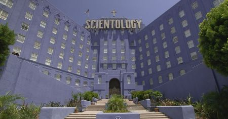Going Clear: Scientology & the Prison of Belief (2015)