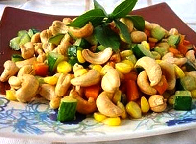 Cashew Nuts Stir Fry with Corn Kernels