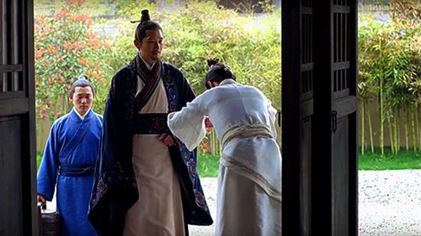 Yujin greeting his father