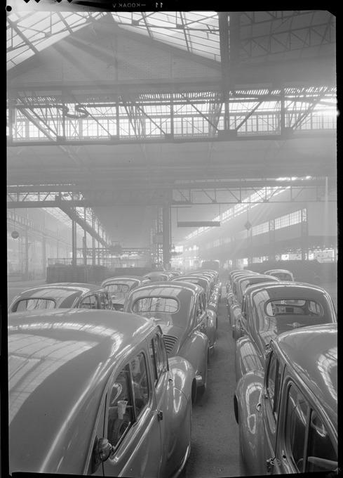 Renault factory, Boulogne-Billancourt (René-Jacques, 1951).