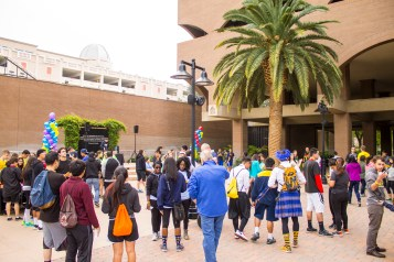 College students around the Inland Empire participated in the Amazing College Race. (Photo by Luis Solis)
