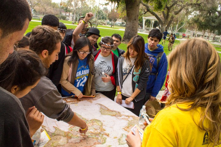 One of the many activities in the race that were given to the students required them to answer geographical questions. (Photo by Luis Solis)