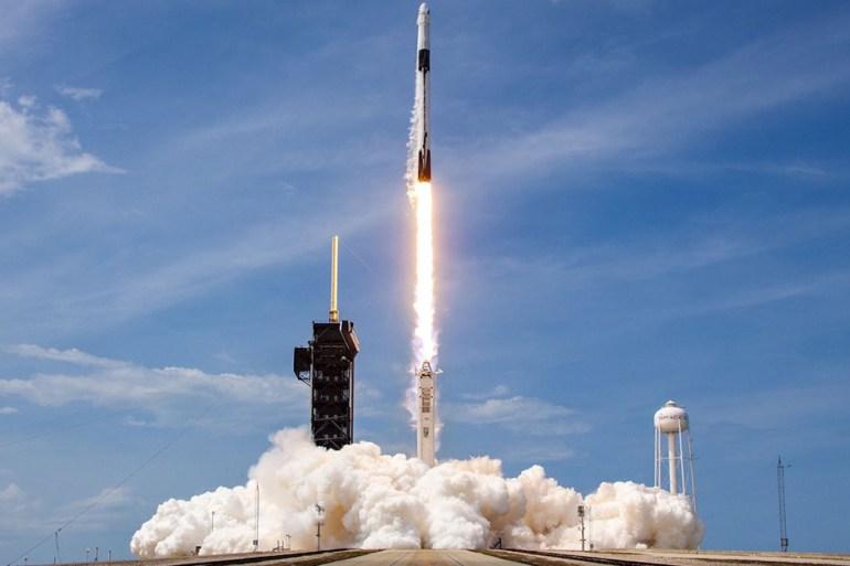 spacex astronautes lancement elon musk conquête spatiale