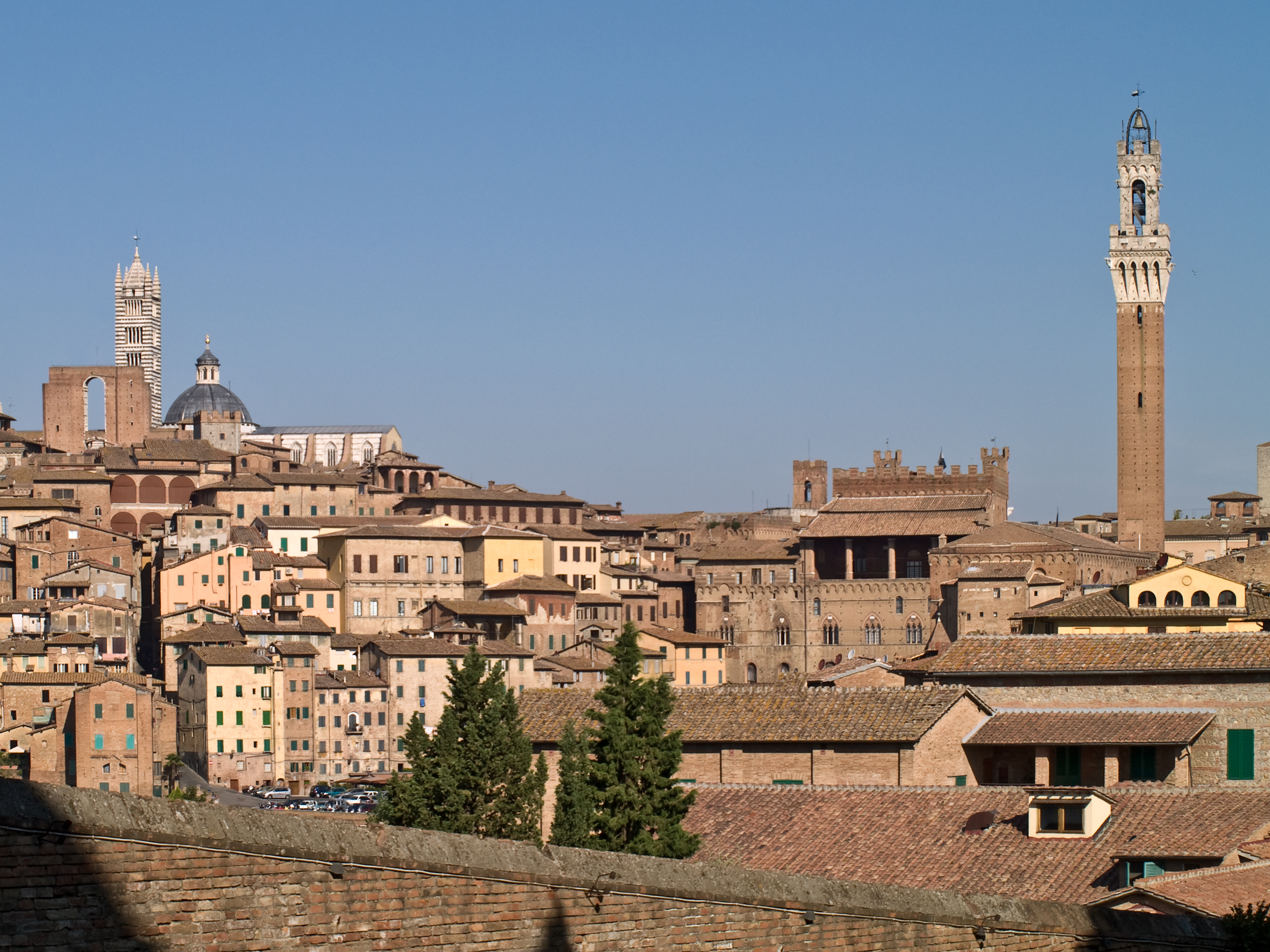 Stay in a Hotel in Siena to discover the most beautiful areas of the city's territory