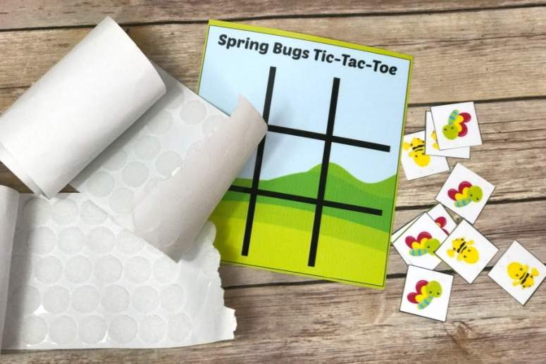 This Spring bug Tic Tac Toe printable game is the perfect DIY game for toddlers and preschoolers! Print it off, laminate it (my preference) and play!