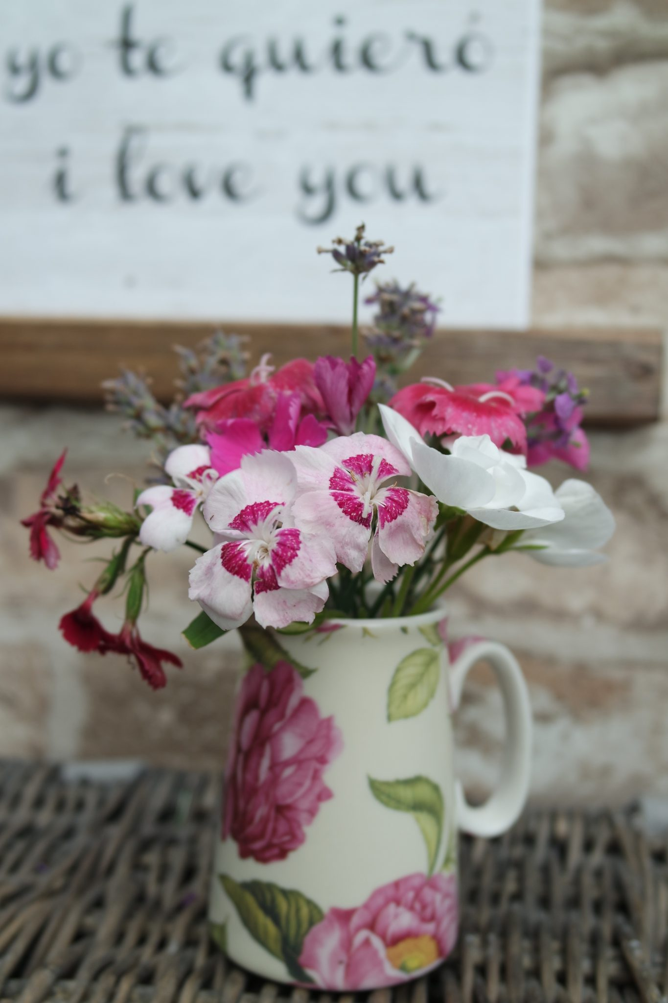 In a Vase on Monday – in the pink with Pimms (and tennis)