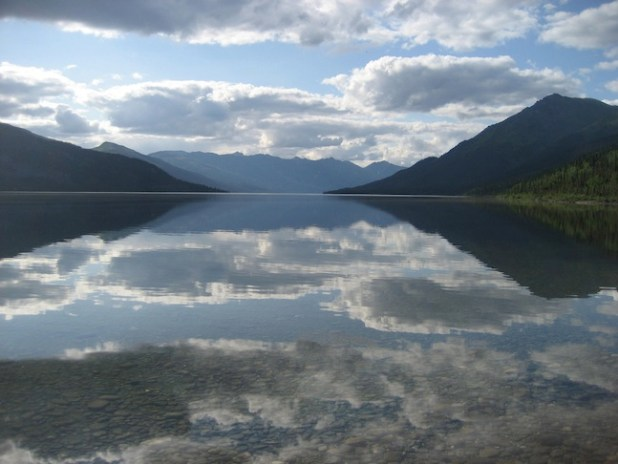Walker Lake, Alaska. (Photo by Bruce and Letty, Creative Commons License)
