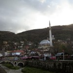 A mosque in Prizren, a city in Kosovo, with a large population of people of Albanian origin. (Photo by Mac Coates, Creative Commons License)