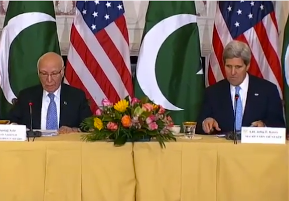 Secretary of State John Kerry with Sartaj Aziz, advisor to Pakistan's Prime Minister Nawaz Sharif on foreign affairs, at the U.S. Department of State in Washington, DC on January 27, 2014. (Screenshot from Department of State's video)