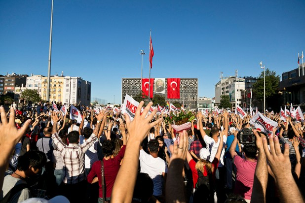 An anto government protest in Istanbul in June 2013. (Photo by eser.karadag, Creative Commons License)