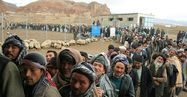 If Afghans fail to avoid political polarization and ethnic chauvinism, it will imperil the post-2014 transition process. (Photo via Outlook Afghanistan)
