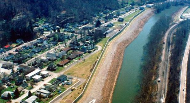 Thw town on Williamson, West Virginia. (Photo by U.S. Army Corps of Engineers, via OnEarth)