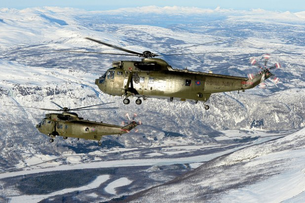 Commando Helicopter Force carry out Arctic flying training in Northern Norway.  (Photo Royal Navy Media Archive, Creative Commons License)