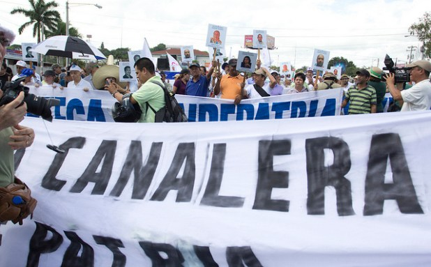 Demonstrators protest Nicaragua's planned canal in 2013. (Photo by Jorge Mejía Peralta, Creative Commons License)
