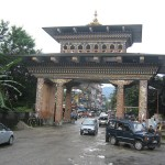 Bhutan-India broder at Phuentsholing. (Photo by graham, Creative Commons License)