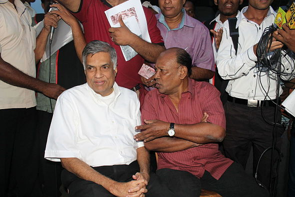 UNP leader Ranil Wickremesinghe called on all parties to join together to create a 'National Government'. (Photo by Vikalpa, via  Groundviews/ Maatram/CPA, Creative Commons License)