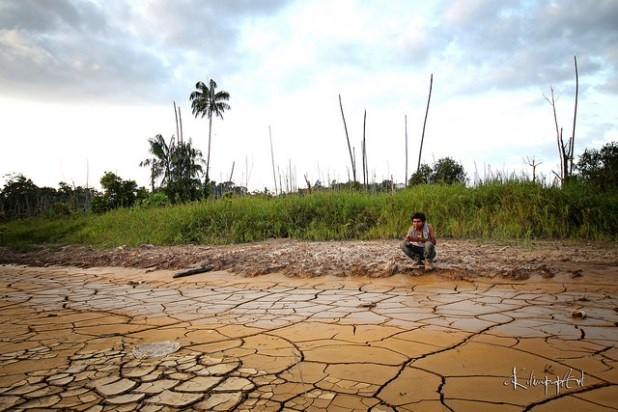Such parched lands are a common site in many parts of the world. (Photo by Amri HMS, Creative Commons License)