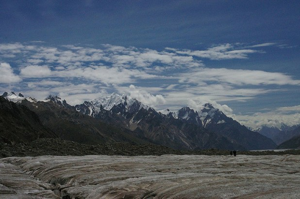 Biafo glacier in northern Pakistan. (Photo by Ben Tubby, Creative Commons License)