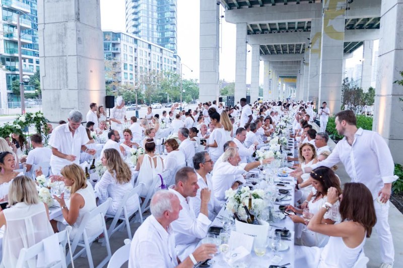 Dîner/Diner/Dinner en Blanc Toronto   Ryan Emberley   View the VIBE Toronto