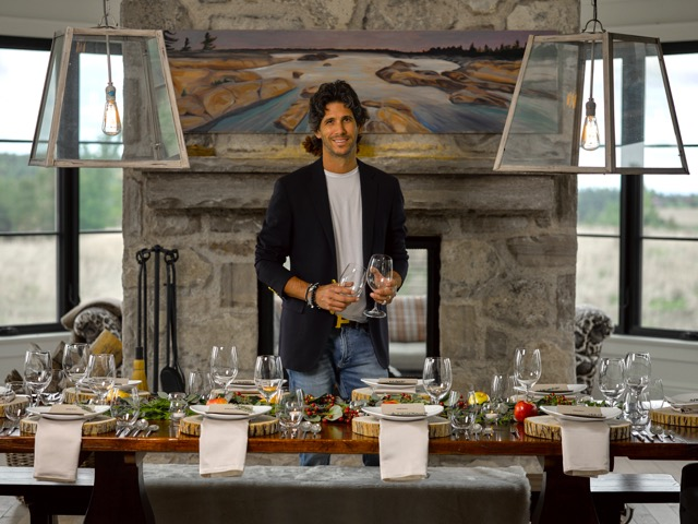 Holiday Hosting with Sebastien Centner - View the VIBE