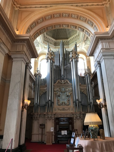Organ in Library