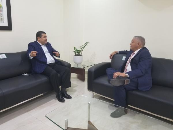 Radhamés González se compromete cumplir con Ley 63-17; recibe en OMSA al diputado Tobías Crespo