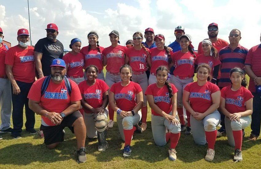 RD finaliza sexto en torneo sub-18 de softbol femenino en Estados Unidos