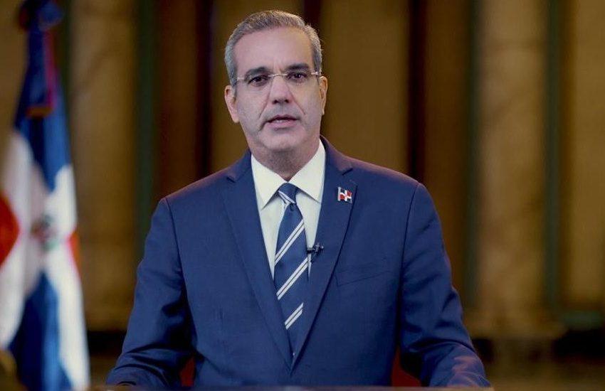 Presidente Abinader donará su salario y propondrá al Congreso rebajar 50% la cuota que reciben partidos