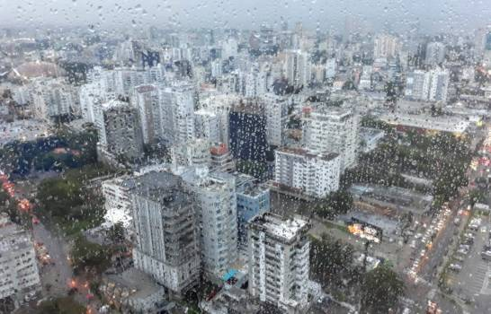 Onda tropical y vaguada causarán lluvias durante el fin de semana