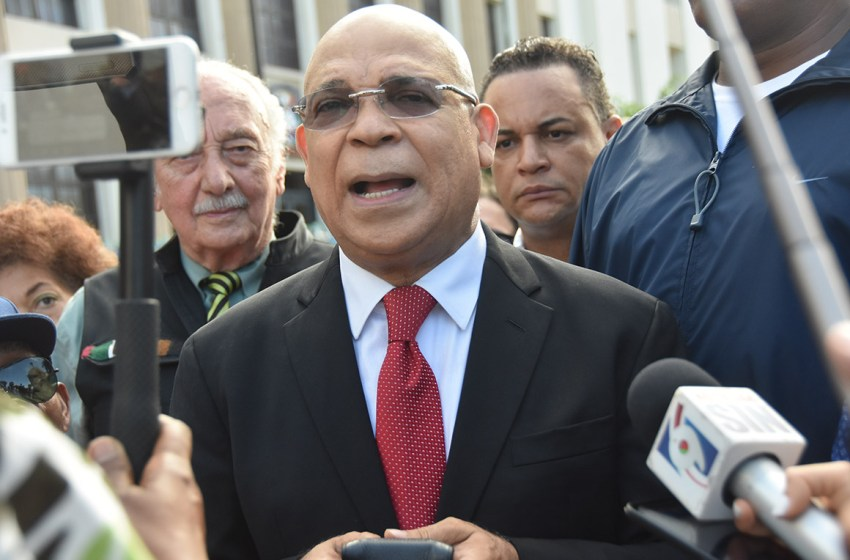 Marino Zapete demanda a Jean Alain y a su hermana Maybeth Rodríguez
