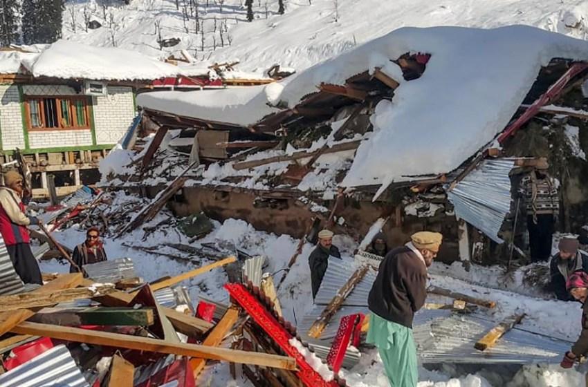 Al menos 3 muertos y 12 desaparecidos por avalanchas en noroeste de Colombia