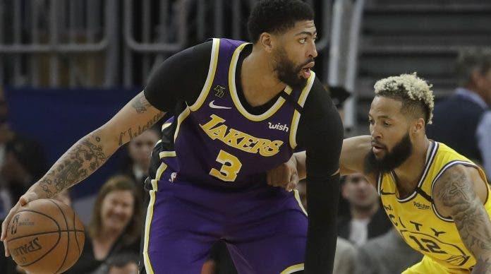 Lakers aseguran varios estelares para el futuro