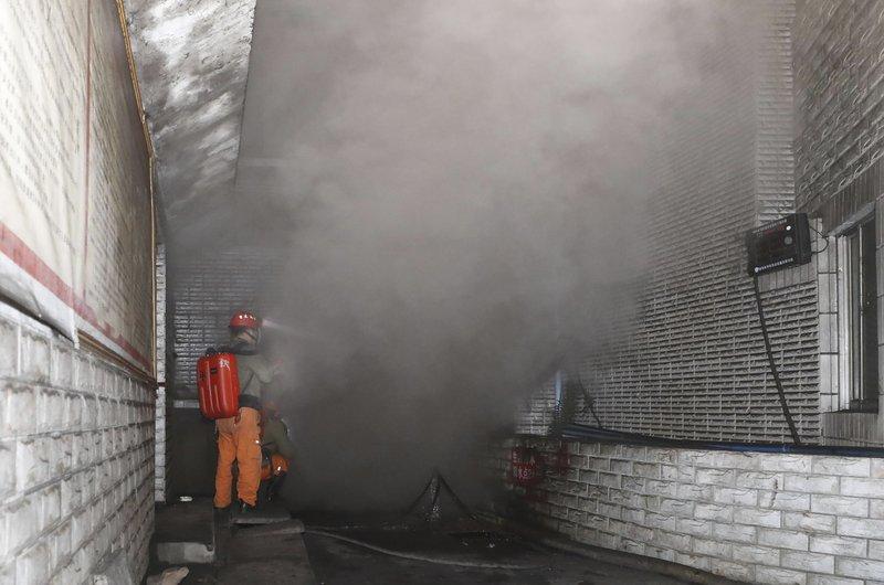 Mueren 18 trabajadores en mina de carbón en China