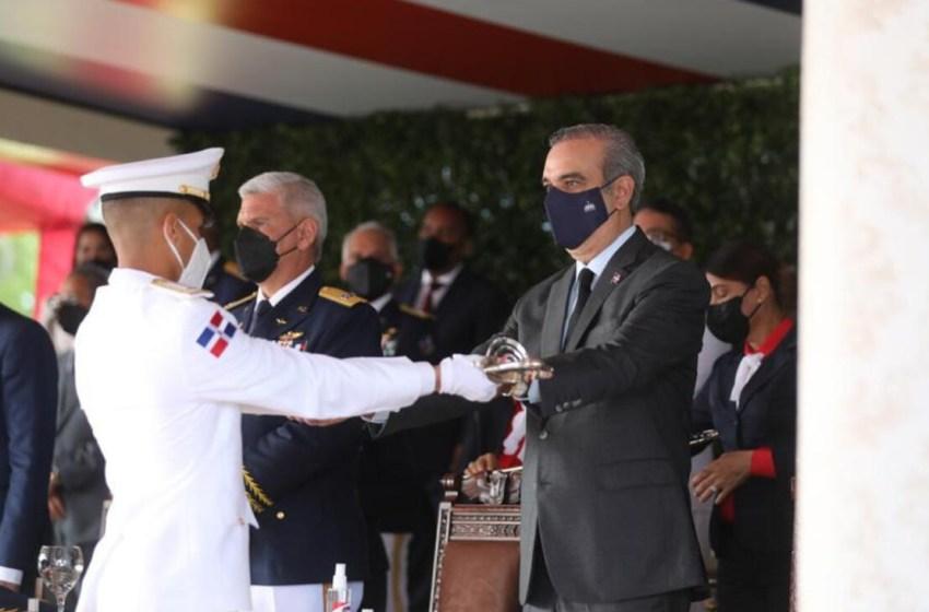 Abinader encabeza XIX graduación de cadetes de la Academia Aérea
