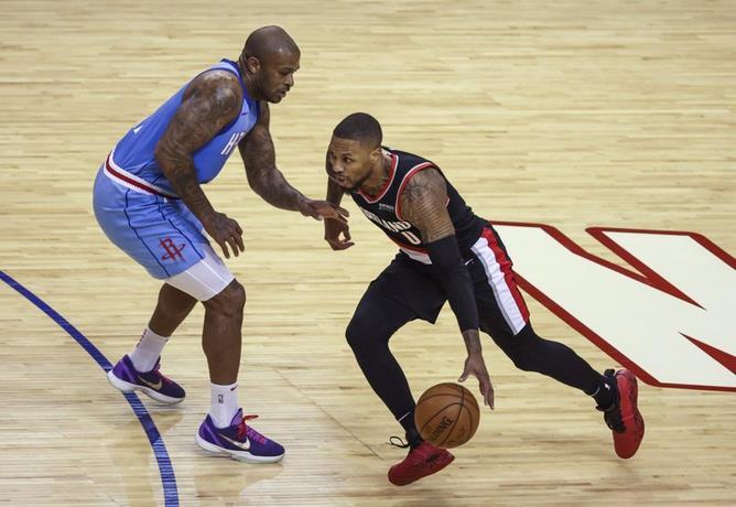 Oladipo anota 25 puntos, Rockets vencen a Trail Blazers