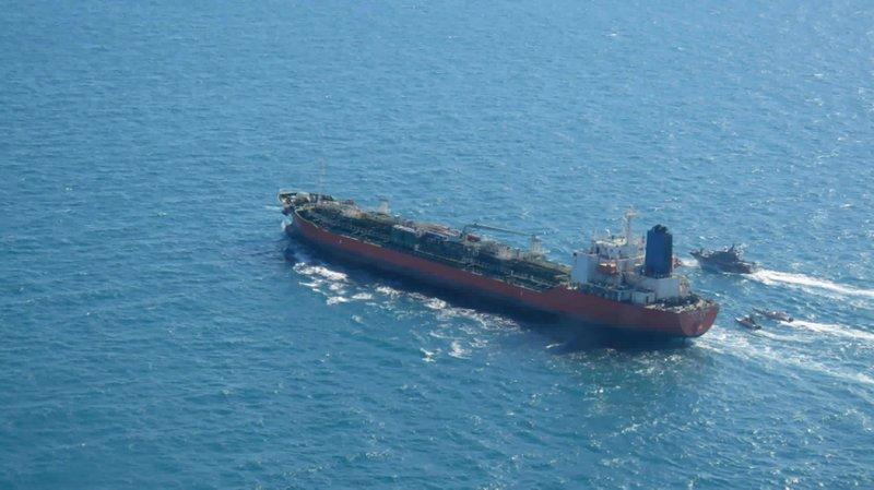 Diplomáticos surcoreanos llegan a Irán para liberar barco