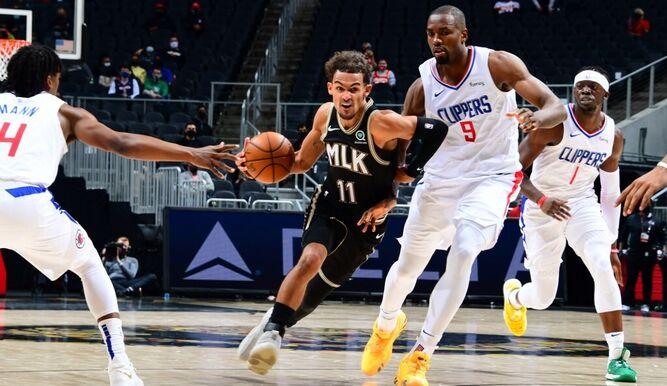 Trae Young anota 38 y Hawks vencieron 108-99 a Clippers