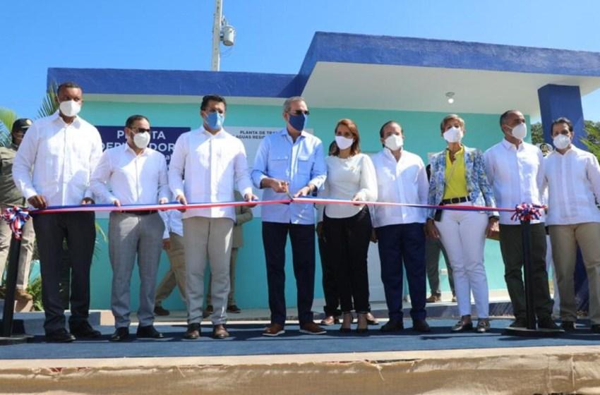 Presidente inaugura planta de tratamiento y sistema de aguas residuales en Luperón