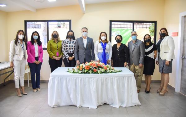 Ministerio de la Mujer y el Centro Casas Comunitarias de Justicia firman acuerdo