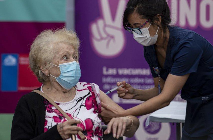 Chile inicia proceso de vacunación masiva contra el COVI