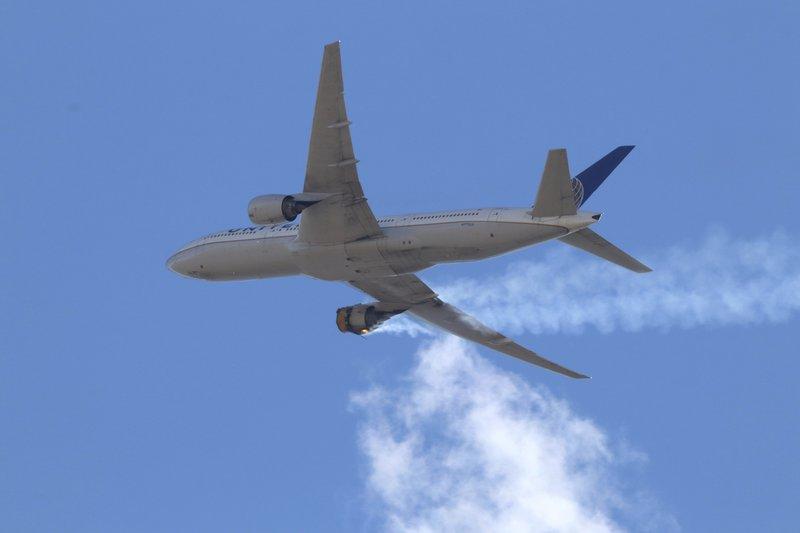EEUU mantiene aviones en tierra tras accidente en Colorado