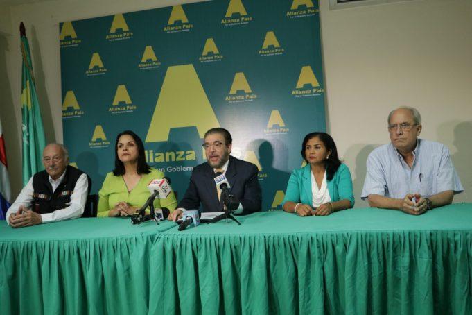 """Alianza País califica como """"un acuerdo de élites"""" firma del Pacto Eléctrico"""