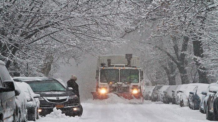 Arranca estado de emergencia en NY y NJ por tormenta de nieve