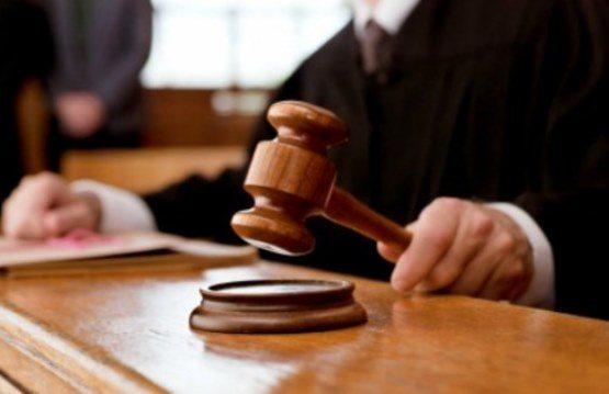 Condenan a 20 años de prisión a un hombre que violó y embarazó a su hijastra adolescente