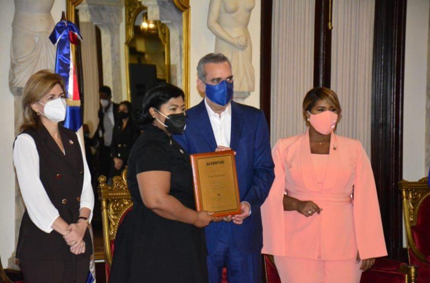 Presidente Luis Abinader encabeza XXV entrega del Premio Nacional de la Juventud