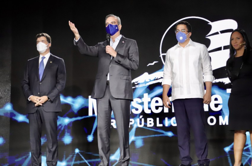 Ministerio de Turismo presenta novedosa plataforma digital para la transparencia