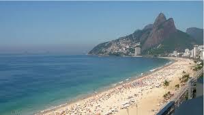 Río de Janeiro impone toque de queda nocturno y cierra comercio ambulante en sus playas