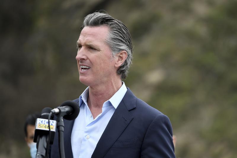 Revocatoria de mandato en California podría ir a boletas