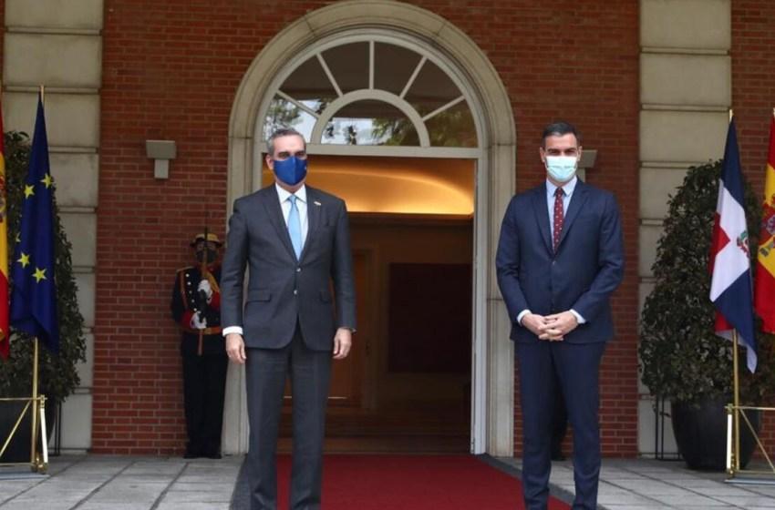 Abinader se reúne con el jefe de Gobierno español, Pedro Sánchez