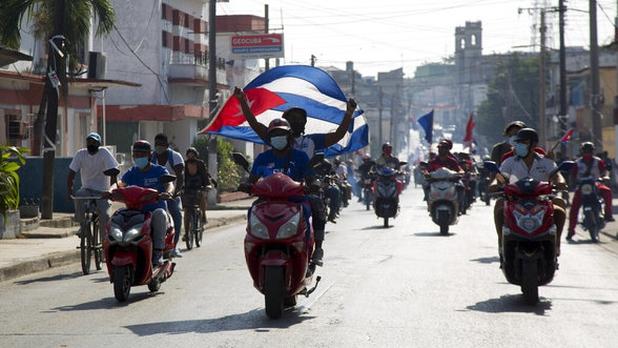Los cubanos demandan en las calles el fin del embargo